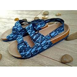 Niebieskie sandały r. 33,35
