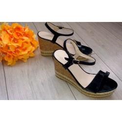 Sandałki na koturnie  czarne